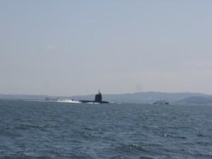 途中、潜水艦に遭遇!