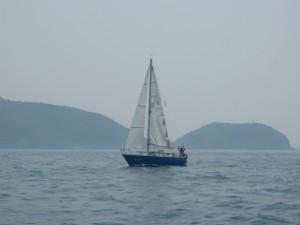 カッコイイ、ブルーの船体